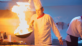 chef-food-with-fire-345x194